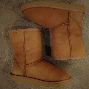 UGG Women's Classic Short Boot